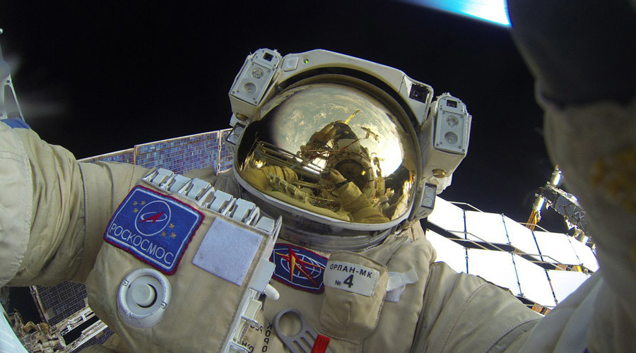 Russian cosmonaut finds time for selfie while on spacewalk (PHOTOS)
