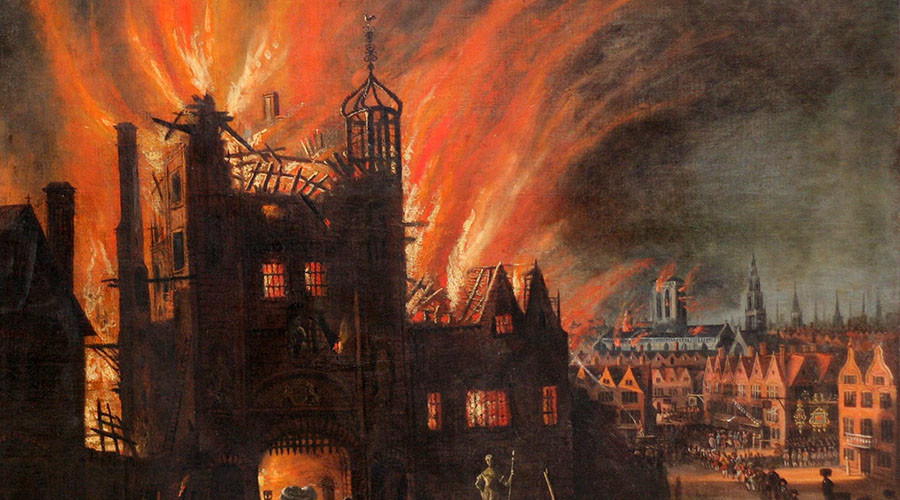 Ludgate in flames, with St Paul's Cathedral in the distance (square tower without the spire) now catching flames. Oil painting by anonymous artist, ca. 1670. © Wikipedia