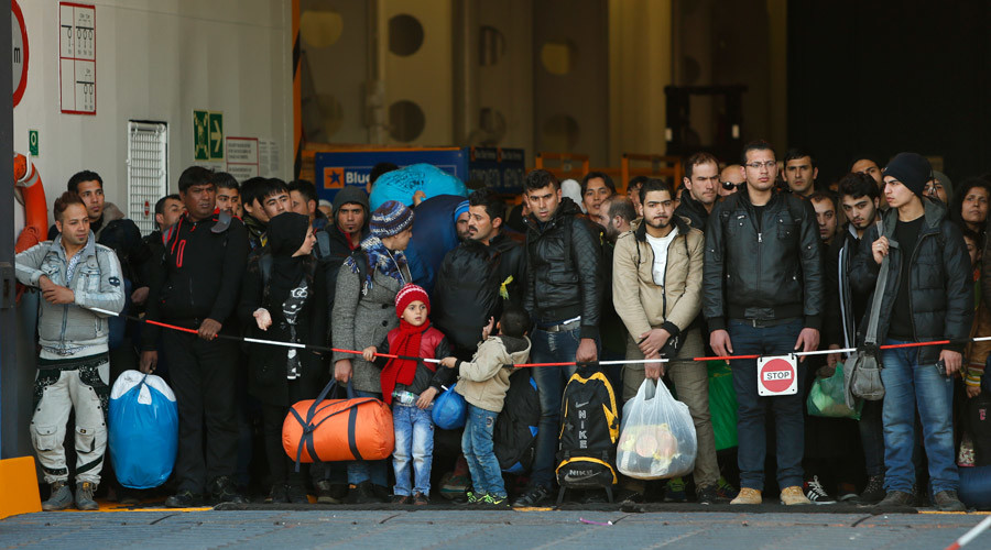 EU gives Greece 3 months to fix borders or risk Schengen suspension