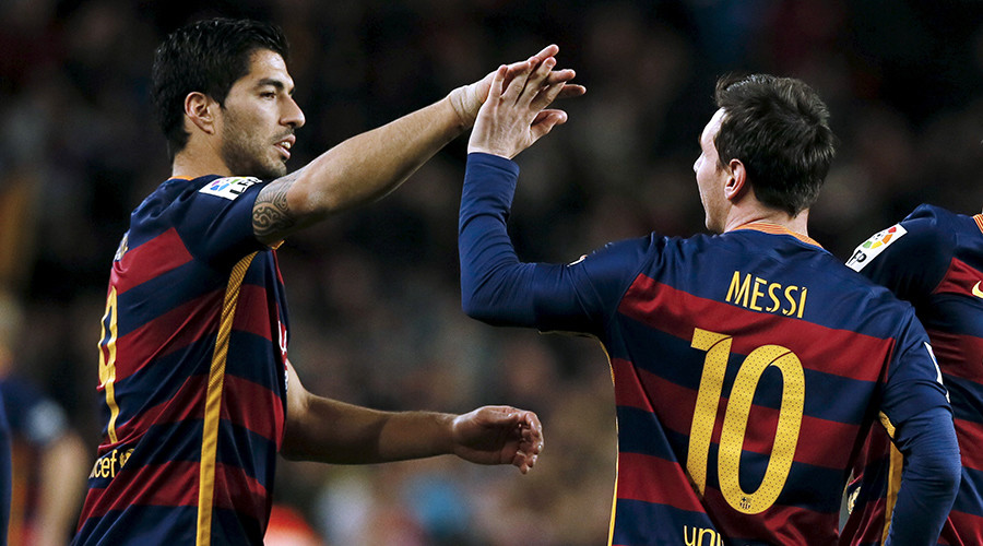 Messi, Suarez score 2-man penalty as Barcelona win in style (VIDEO)