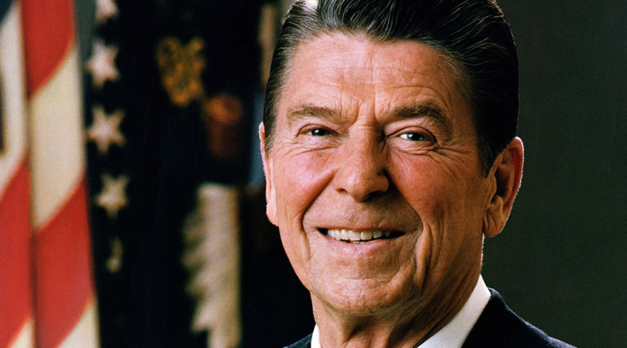 Official Portrait of President Ronald Reagan © Wikipedia