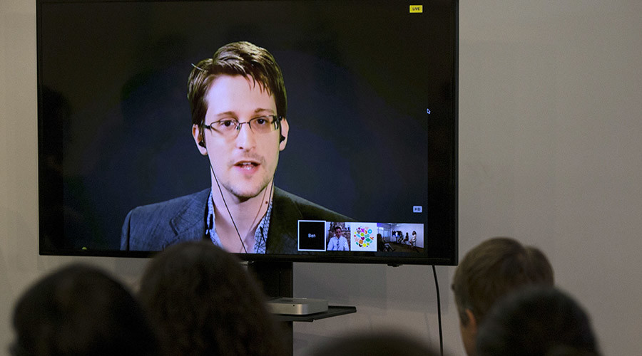 Edward Snowden burns Jeb, Kanye in one devastating tweet
