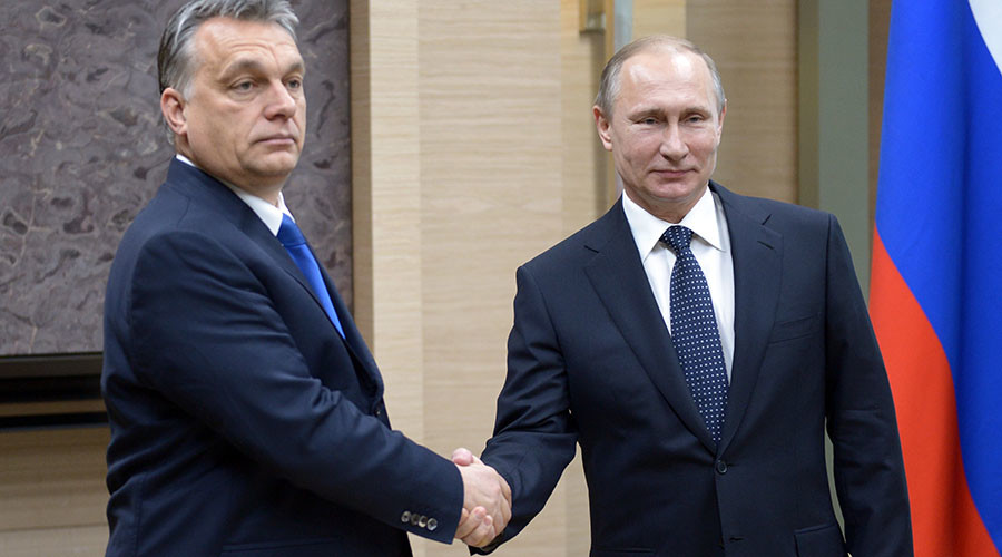 Solution to refugee crisis lies in 'destroying terrorism' – Putin after talks with Orban