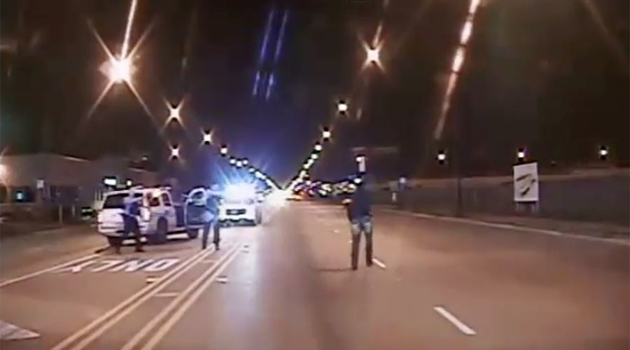 Footage of the officer-involved shooting of Laquan McDonald in October 2014. © DNAinfo Chicago