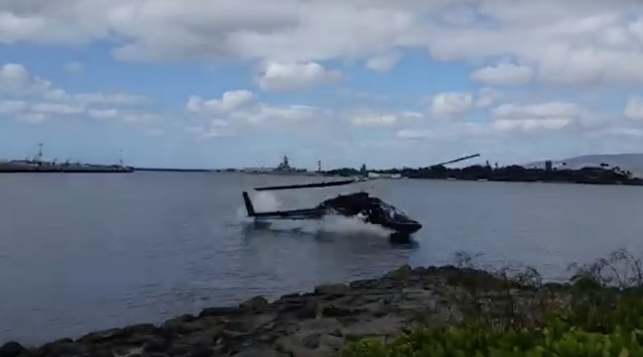 Helicopter crashes into water near Pearl Harbor (VIDEO)
