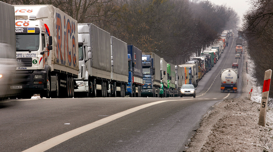 Moscow, Warsaw agree to keep freight moving