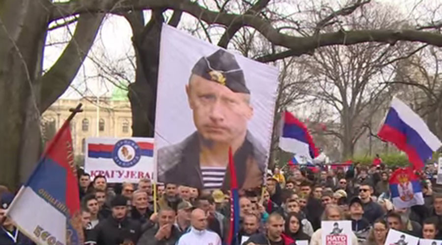 Serbs protest government's NATO deal, call to Russia for help