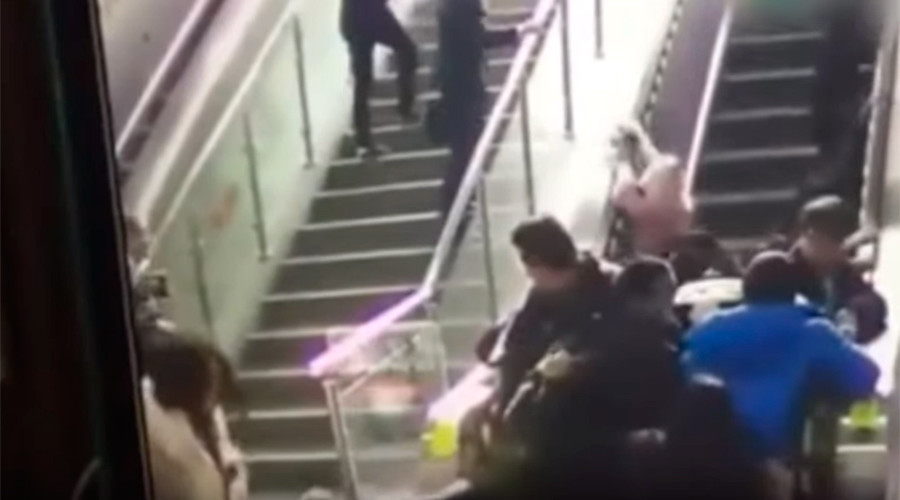 De-escalating dominoes: Human pile-up captured after mall escalator fails (VIDEO)
