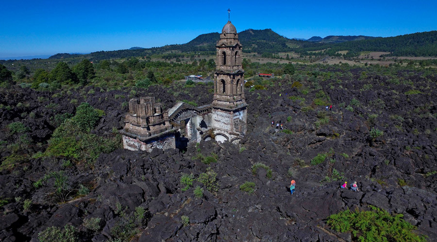 'Mexican Pompeii' from drone: Lonely cathedral in lava field (VIDEO)