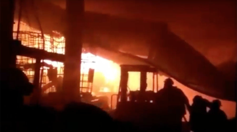 Massive fire as 3 explosions rock factory in Mexico – reports