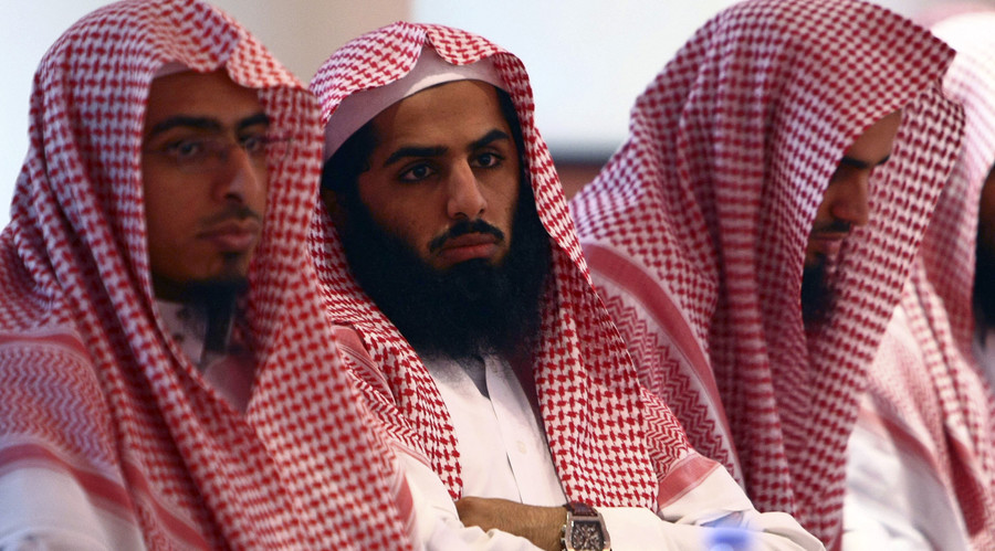 Saudi court sentences man to 10 years & 2,000 lashes for atheist tweets