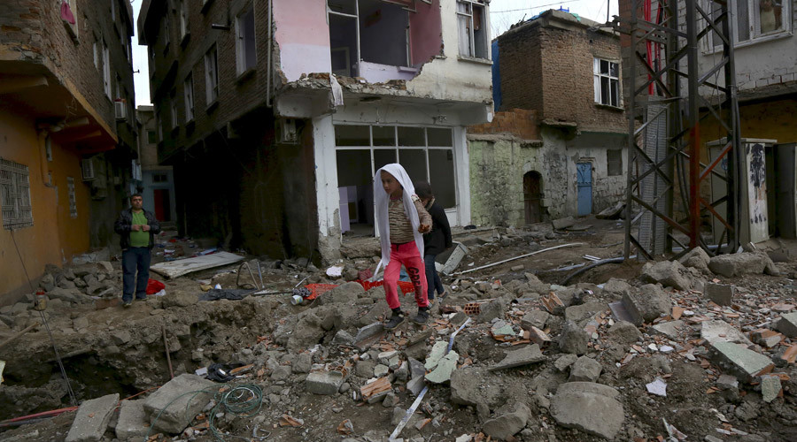 '7 blasts in 10 minutes' rock pro-Kurdish city Diyarbakır embattled by Turkish forces