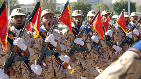 Members of the Iranian Army participate in a parade marking the anniversary of the Iran-Iraq war (1980-88), in Tehran September 22, 2015. © Raheb Homavandi