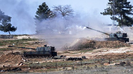 Turkish artillery near the town of Kilis in south-central Turkey fire across the Syrian border on February 16, 2016. © Bulent Kilic