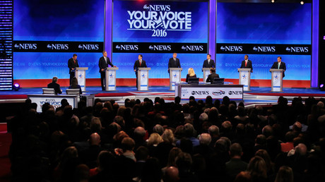 Republican presidential candidates (L to R) Gov. John Kasich, former Gov. Jeb Bush, Sen. Marco Rubio, Donald Trump, Sen. Ted Cruz, Dr. Ben Carson and Gov. Chris Christie debate on February 6, 2016. © Carlo Allegri