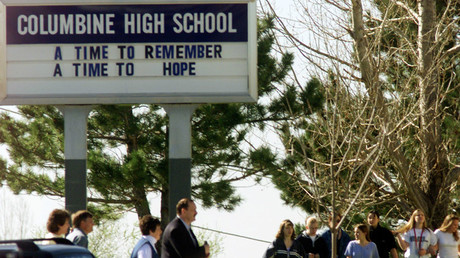 Students and faculty arrive at Columbine High School ©