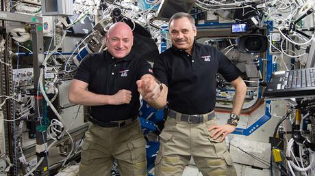 NASA astronaut Scott Kelly (L) and Russian cosmonaut Mikhail Kornienko. ©NASA