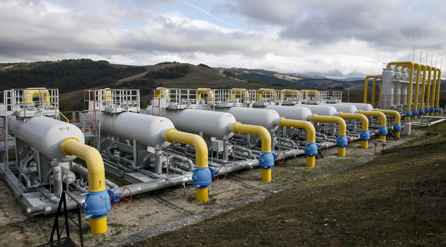 Gas pipes are pictured at a high-mountain gas compressor station near the village of Volovets, western Ukraine © Gleb Garanich