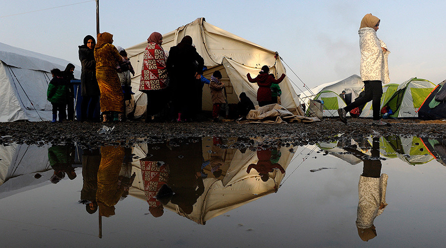 Accept refugees or face 'self-induced crisis', UN tells Europe