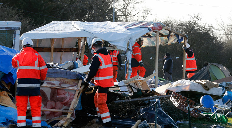 'They won't disappear': Refugees flee to safer parts of Calais 'Jungle' amid demolition