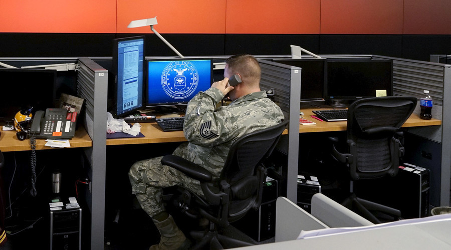 US military to pay bounties to security experts who 'hack the Pentagon'