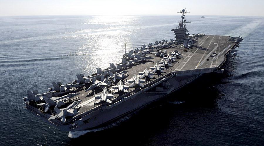 The Nimitz-class aircraft carrier USS John C. Stennis (CVN 74) ©U.S. Navy photo by Mass Communication Specialist 3rd Class Kenneth Abbate