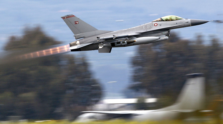 A Danish F-16 Fighting Falcon © Max Rossi