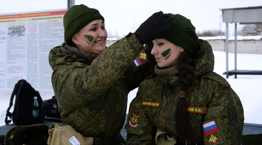 """Participants in the national professional contest """"Makeup under Camouflage"""" for female troops at the Russian Strategic Missile Force training center in Pereslavl-Zalessky. © Mikhail Voskresenskiy"""