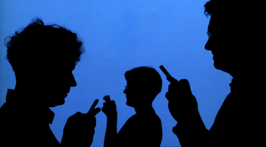 Addicted to Facebook? Psychologist says blame it on evolution