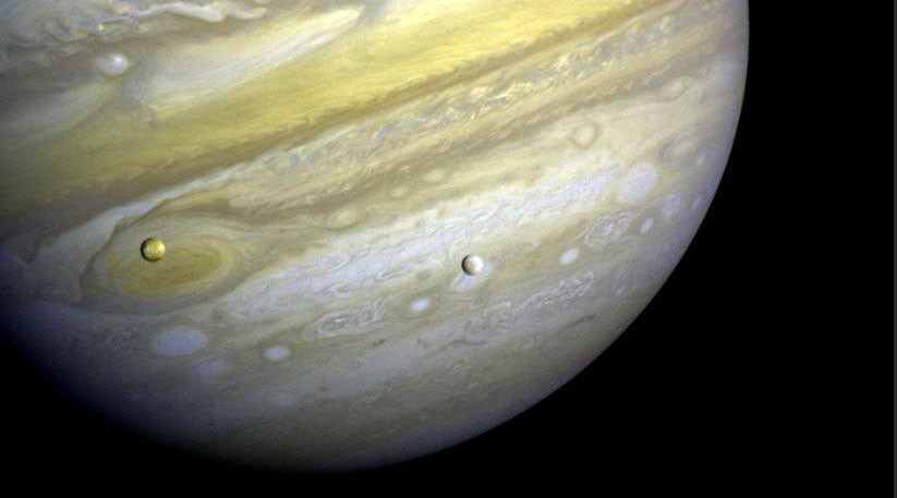 Moon shadow: Whirling gas clouds of Jupiter set for close-up with Earth (PHOTOS)