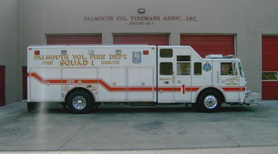 Virginia firefighters suspended for transporting young girl to hospital - report