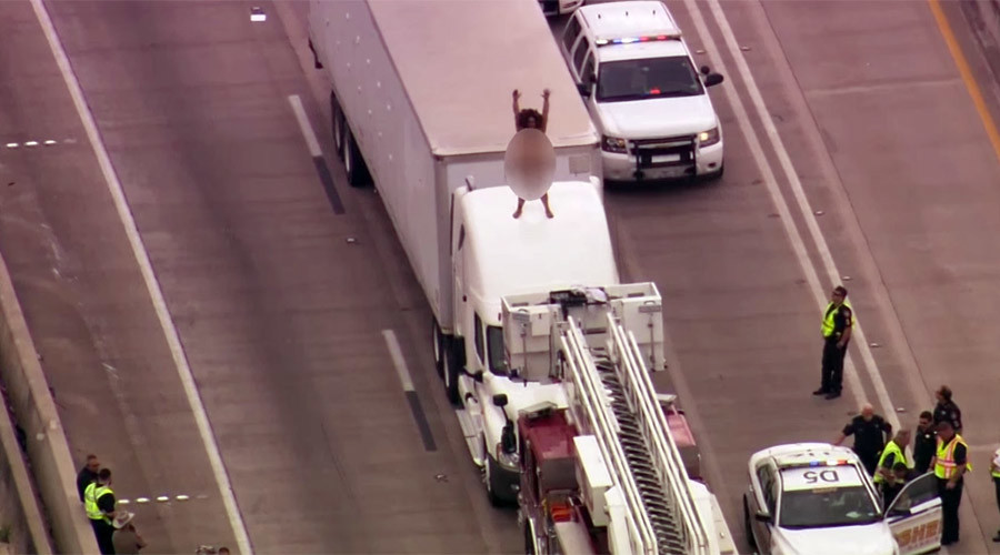 Naked woman dancing on top of truck causes Texas-sized traffic jam (VIDEO)