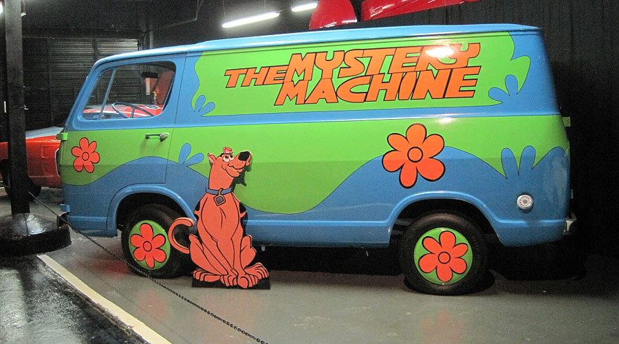 Jeepers! Scooby Doo Mystery Machine chased by California police