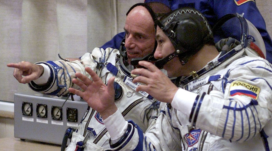 Russia rejoins space tourism race