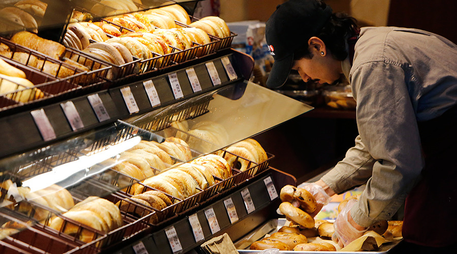 White bread & bagels increase risk of lung cancer by 49 percent, study finds