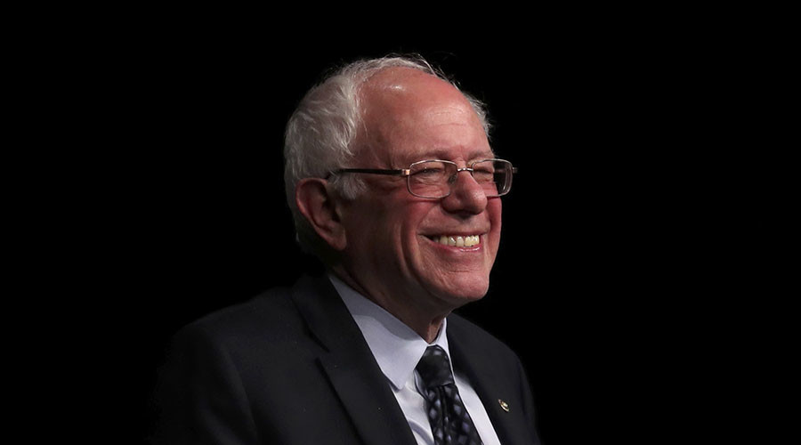 Money never sleeps for Senator Bernie Sanders. ©Carlo Allegri