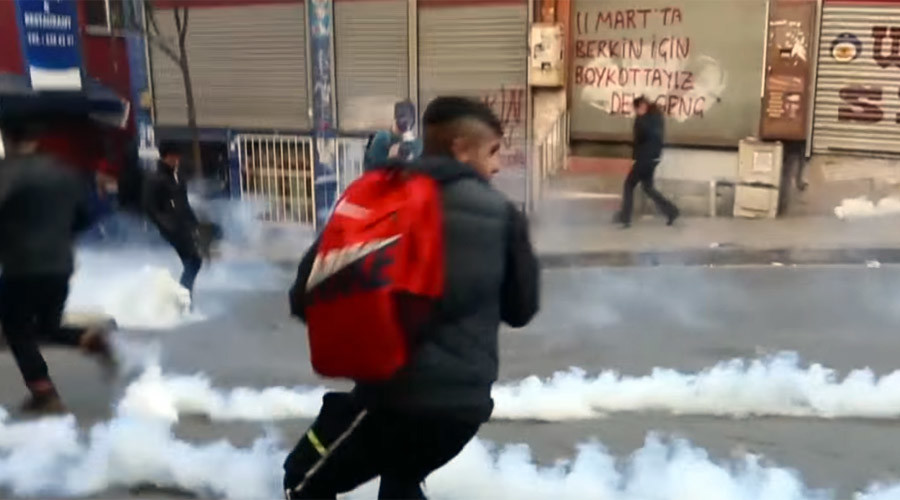 Turkish police teargas rally honoring 15yo killed in anti-govt Gezi protests (VIDEO)