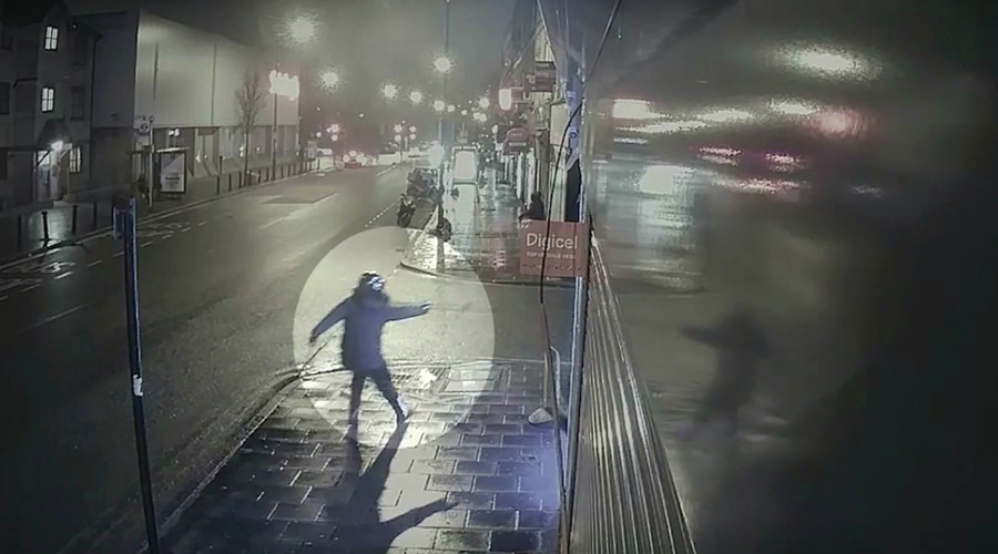Shooting by gang in Brixton caught on CCTV (VIDEO)