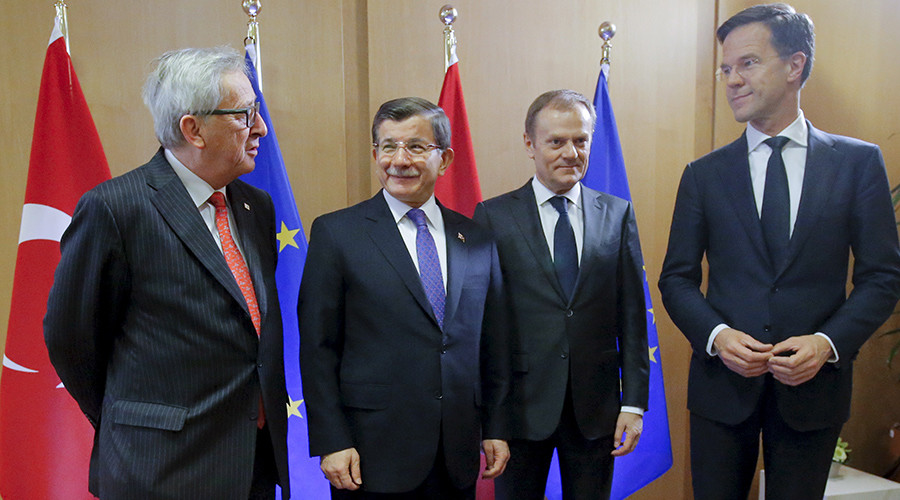 Turkish gambit: Ankara wants €6 billion & visa-free travel to EU for hosting refugees