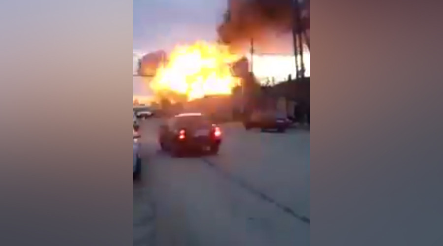 Scores injured after earth-shaking explosion at Russian petrol station (VIDEO)