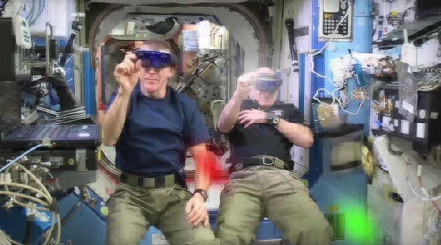Astronauts Scott Kelly & Tim Peake save Earth from space invaders (VIDEO)