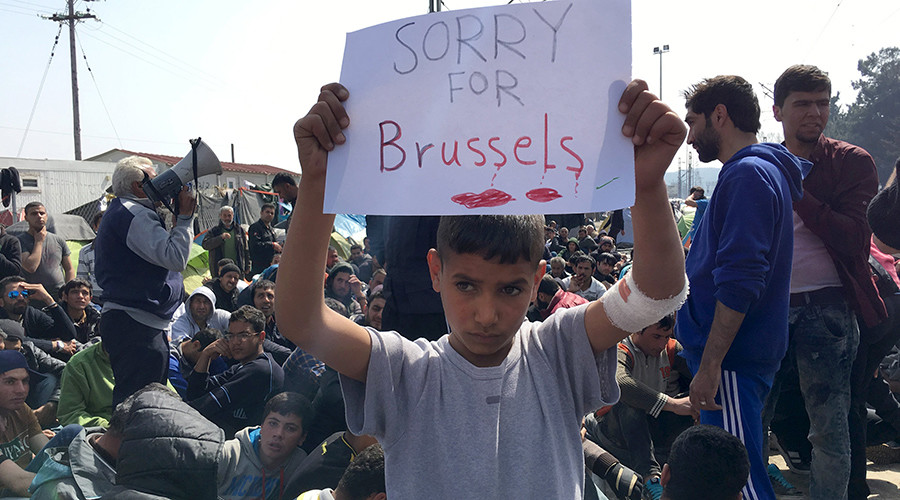 Refugee kids show support for victims of Brussels attacks (PHOTOS)