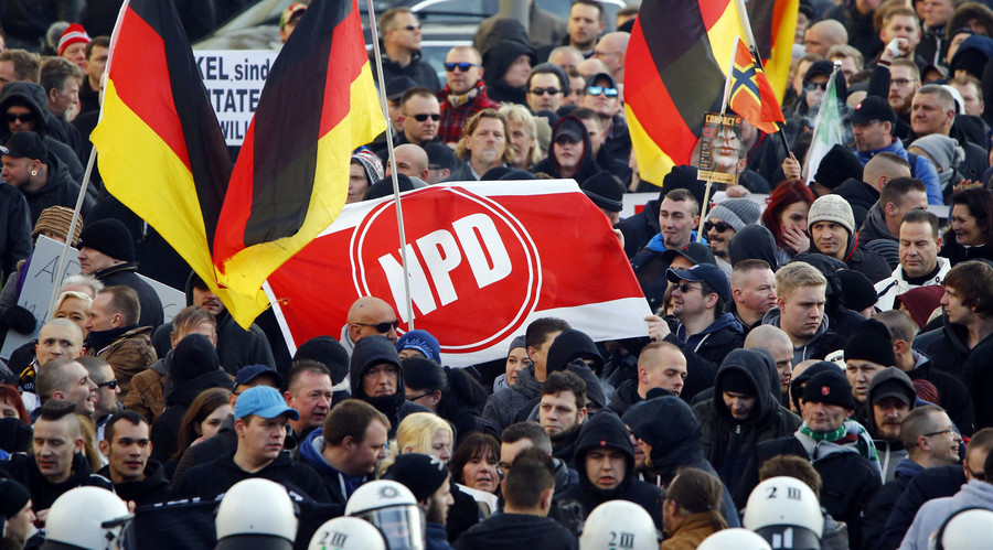 Irony? Syrian refugees save German far-right party candidate from car crash