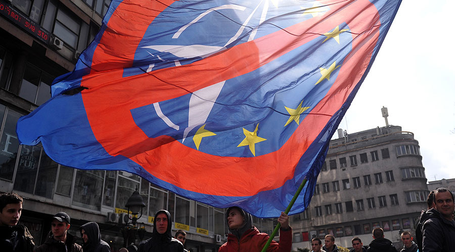 1,000s of Serbs march against NATO in Belgrade (VIDEO)