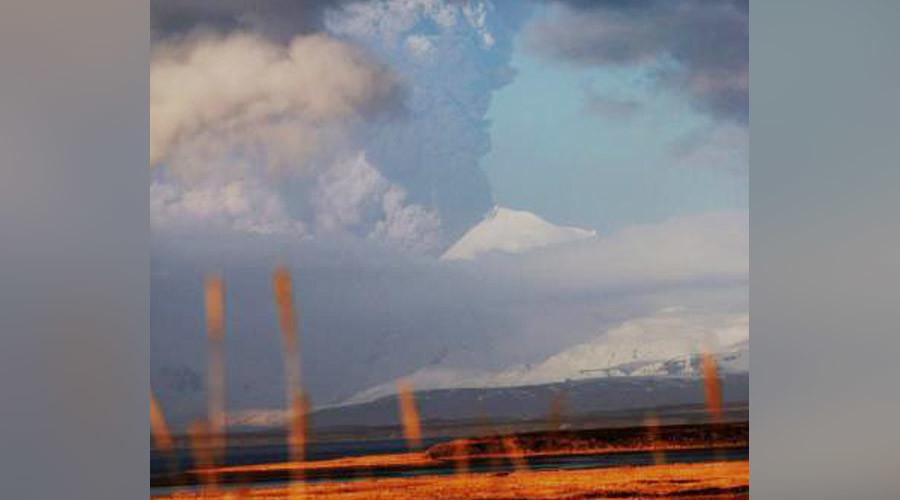 'Red warning': Alaska volcano erupts, spews ash 20,000ft high (PHOTOS)
