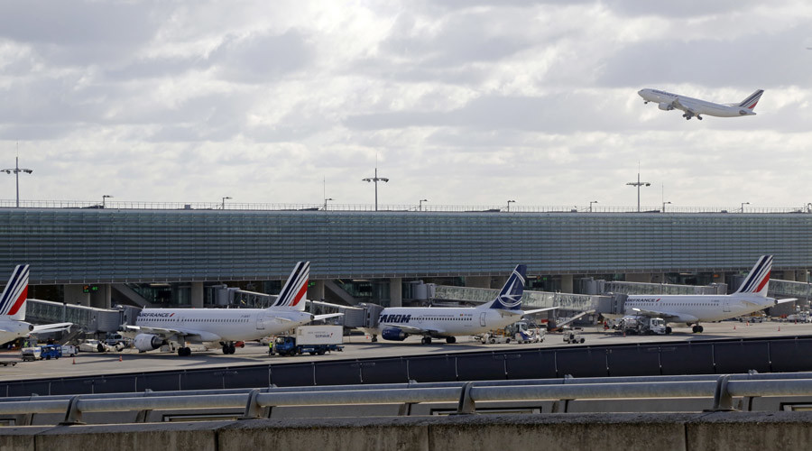 Air France passenger planes are seen in this view of Paris' Charles de Gaulle airport Terminal 2 in Roissy, France © Jacky Naegelen