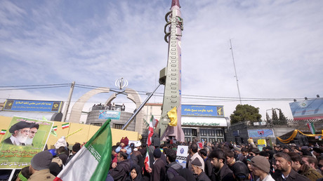 Iranian-made Emad missile is displayed during a ceremony marking the 37th anniversary of the Islamic Revolution, in Tehran February 11, 2016. © Raheb Homavandi