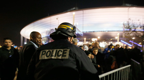 FILE PHOTO: Police control crowds leaving the Stade de France where explosions were reported to have detonated outside the stadium during the France vs German friendly match near Paris, November 13, 2015. © Gonazlo Fuentes