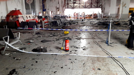 Damage is seen inside the departure terminal following the March 22, 2016 bombing at Zaventem Airport, in these undated photos made available to Reuters by the Belgian newspaper Het Nieuwsblad, in Brussels, Belgium, March 29, 2016. © Het Nieuwsblad