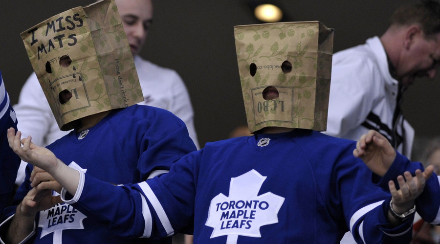 Toronto Maple Leafs fans. © Mike Cassese
